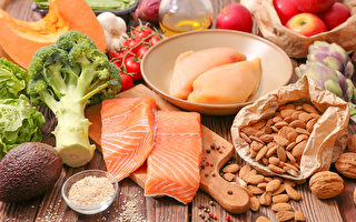 吃優質蛋白質及多色蔬果,可抗發炎、改善過敏性鼻炎。(Shutterstock)