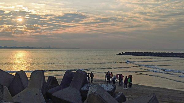 【視頻】台灣高雄方塊海奇景 全球罕見