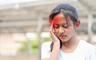 偏头痛虽然不是会危及生命的疾病,但伴随的症状非常多。(Shutterstock)