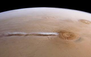 科學家終於破解火星1800公里長怪雲謎團