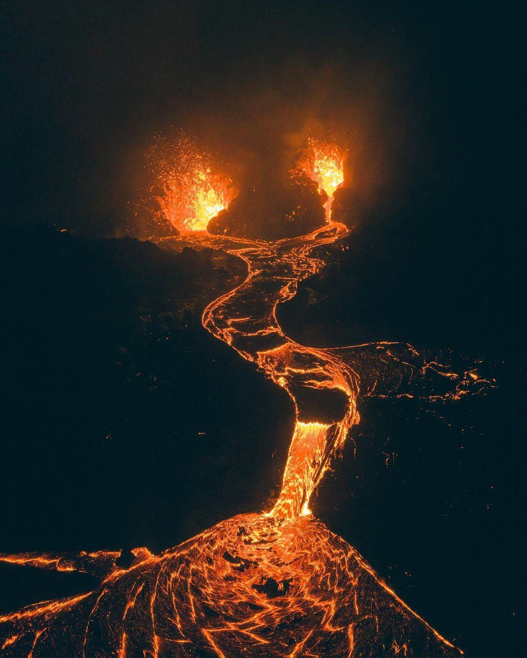組圖:無人機拍到冰島火山噴發的夢幻景觀