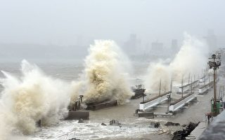 印度遭強氣旋襲擊 至少26死 抗疫雪上加霜