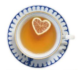 漂浮心型柠檬红茶。