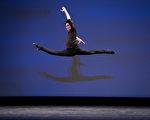 组图四:第九届中国古典舞初赛青年男子组风采