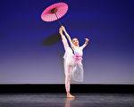 组图一:中国古典舞大赛少年组金奖得主风采